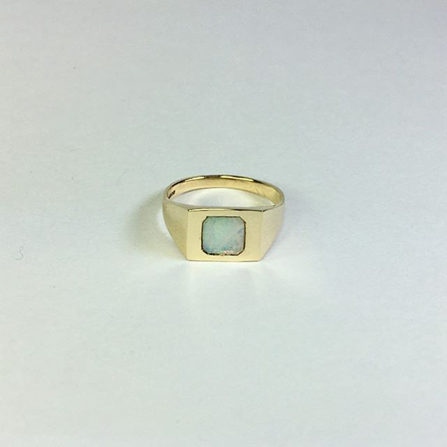 ✨ Opal and 9CT Yellow Gold signet for @clemmie_telford 💥