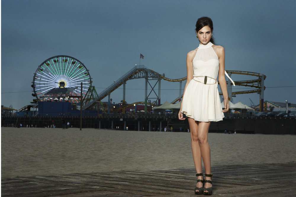 5:30 PM - At 5:30 PM we head to the Santa Monica Pier just in time for a dramatic shot at dusk.