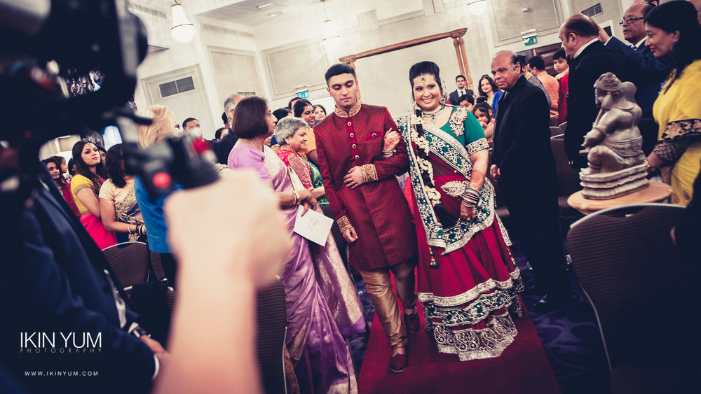 Grand Connaught Rooms Wedding - Minal & Raj - Ikin Yum Photography-054.jpg