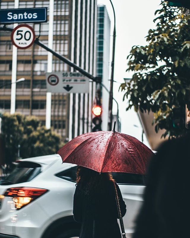 Cheer up everyone! It's Friday! Don't let the rain bring your mood down. ☔️💪🏼 . . . #friday #wuhoodigital #chicagoloop #downtownchicago #marketingagency #agency #chicagomarketing #ideas #wuhoodigitalgroup #digitalmarketing #creative #design #SEO #sem #socialmedia #marketing #graphicdesign #design #facebook #workhardplayhard #socialmediaaddiction #rainyday #mood #cheerup