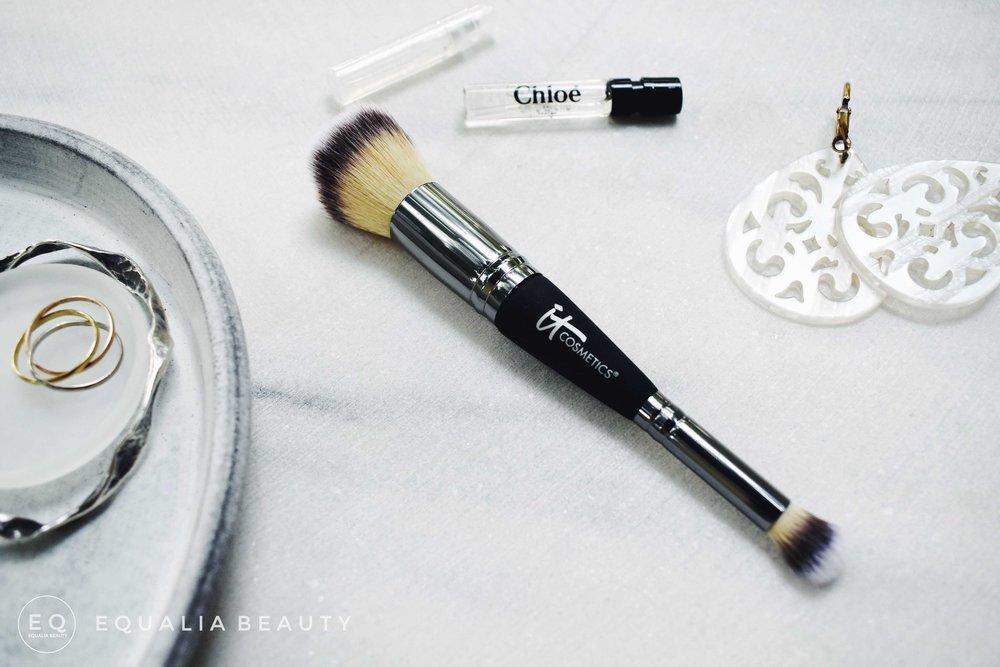 it-cosmetics-no7-brush.jpg