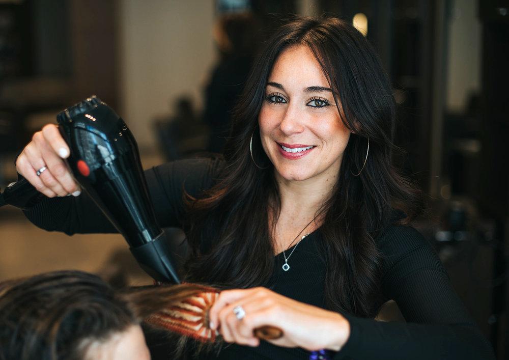 Michelle Vincent / Hair stylist, assistant salon director