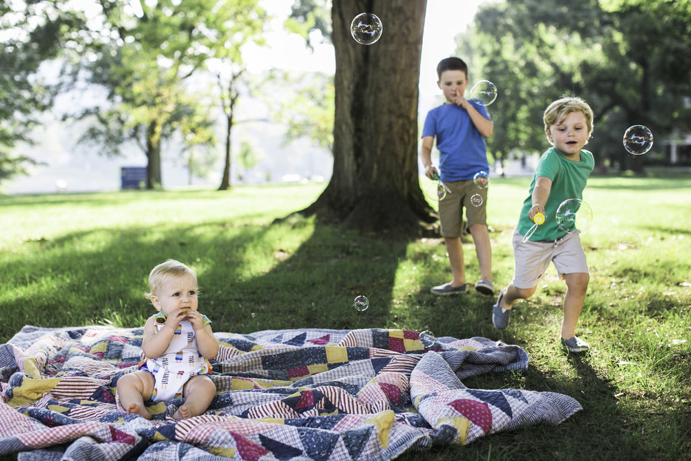 family session, kids, West Virginia, West Virginia family, bubbles, playtime, unplugged childhood, real life, real talk, life together, mom and dad, mom and family, lifestyle, unposed photography, artistic photography, fine art photography, real life.