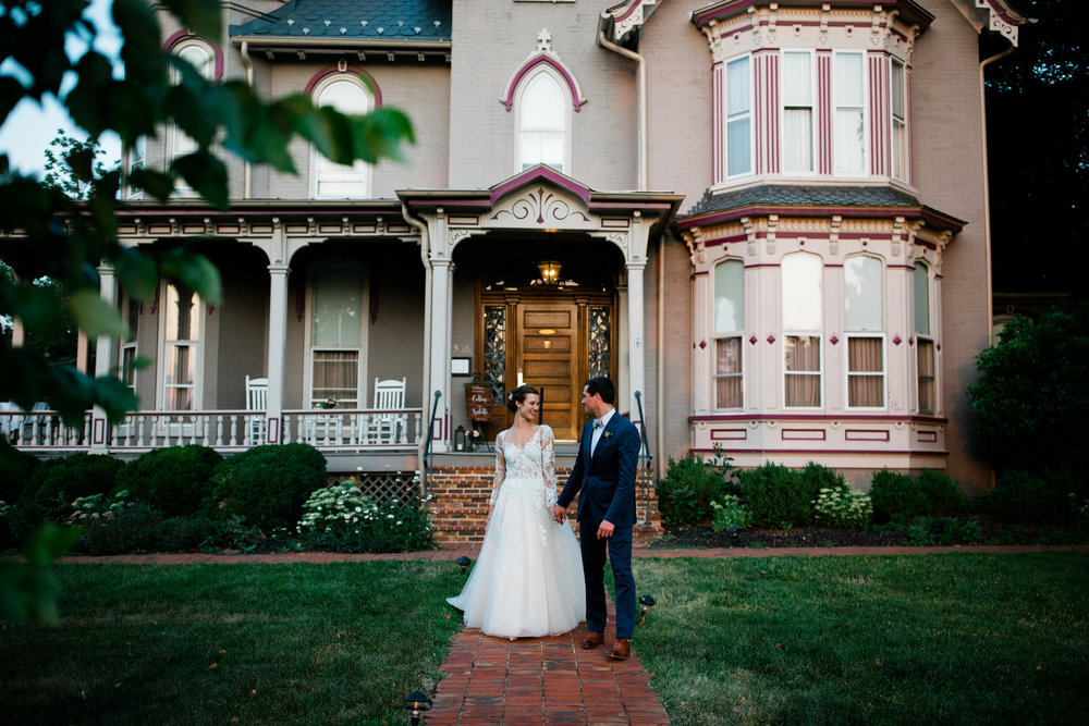 A Harrisonburg Virginia wedding at the Joshua Wilton House in Harrisonburg. Kara Leigh Creative Wedding Photography specializes in intimate weddings and elopements in the Shenandoah Valley of Virginia. Often couples choose to get married at inns, bed and breakfasts and estates.