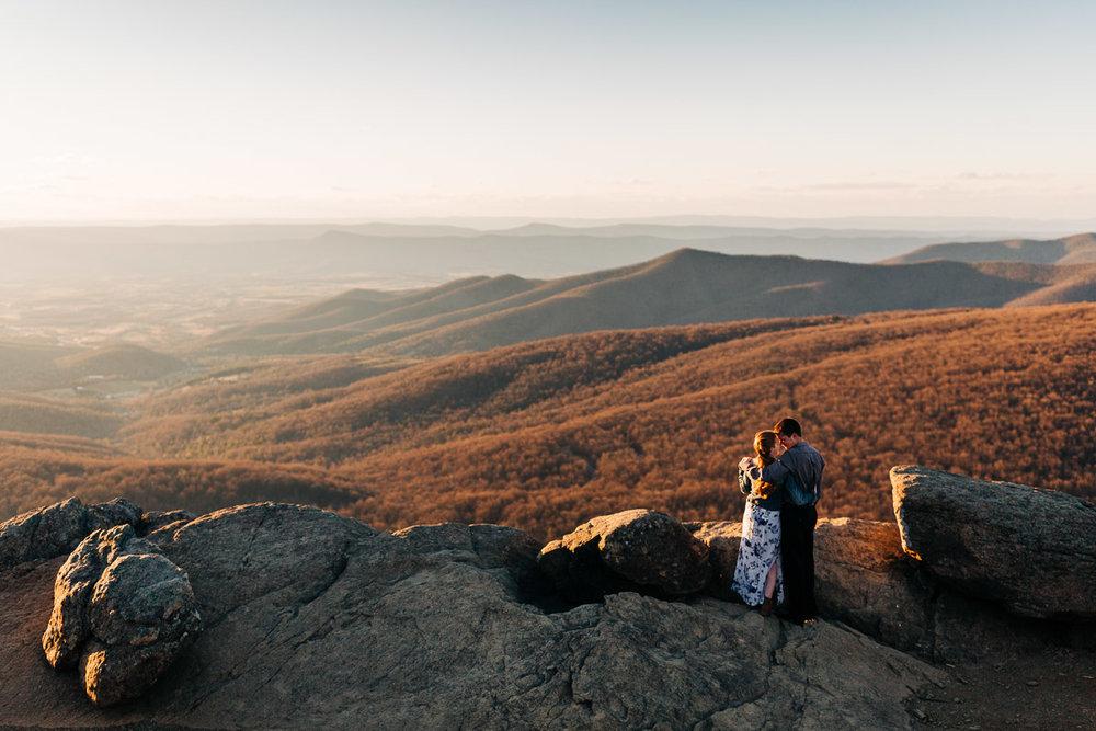 Shenandoah-National-Park-Engagement-Photography-2.jpg
