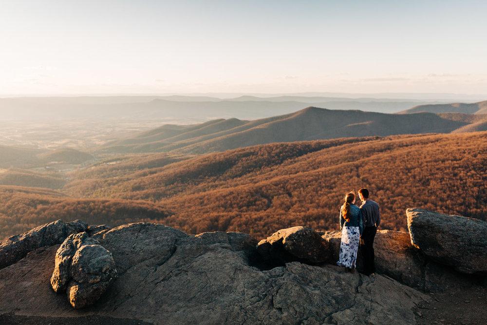 Shenandoah-National-Park-Engagement-Photography-1.jpg