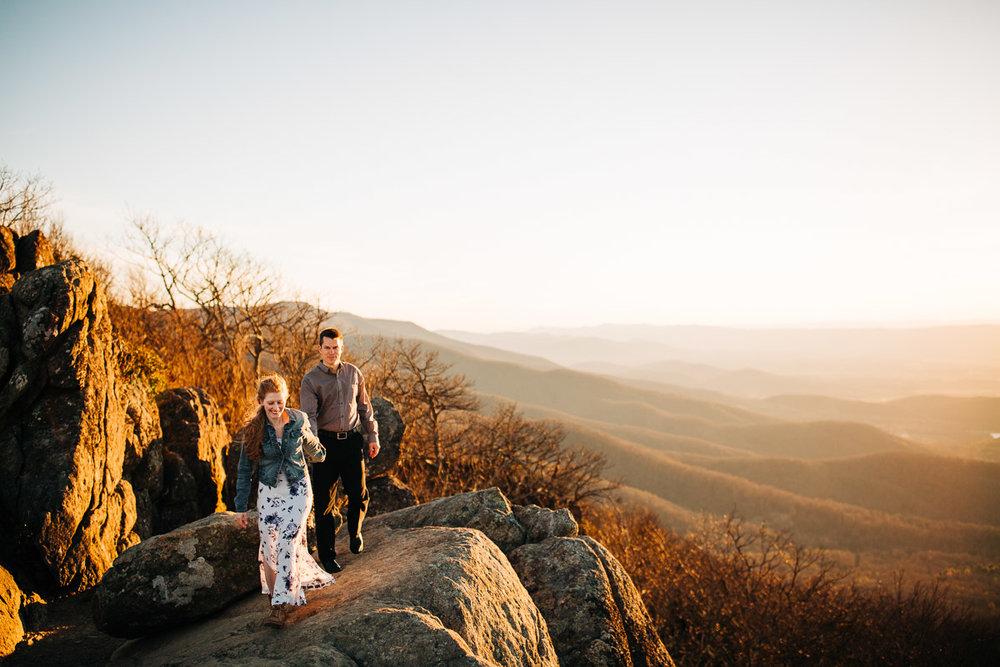 Shenandoah-National-Park-Engagement-Photography-5.jpg