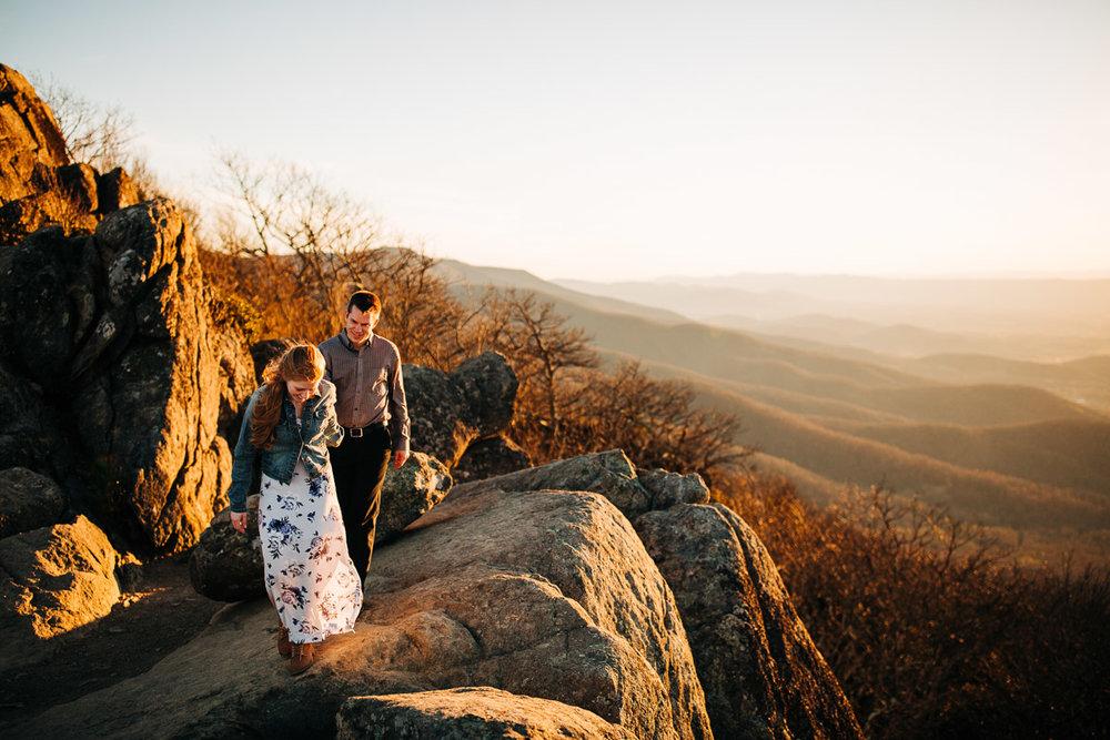 Shenandoah-National-Park-Engagement-Photography-7.jpg