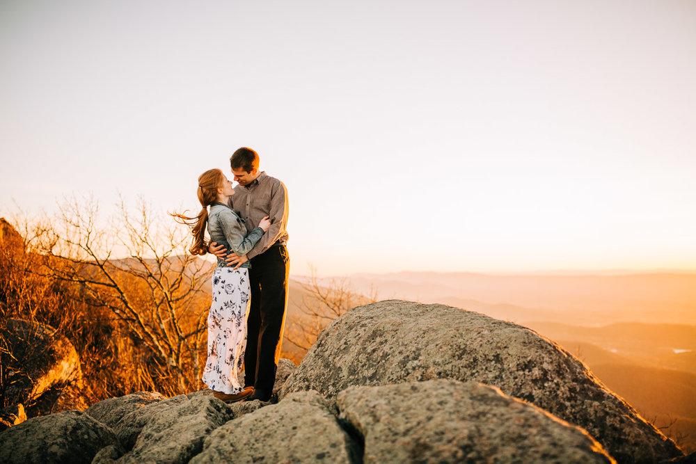 Shenandoah-National-Park-Engagement-Photography-25.jpg