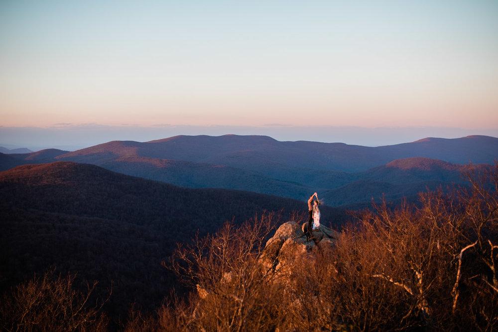 Shenandoah-National-Park-Engagement-Photography-30.jpg