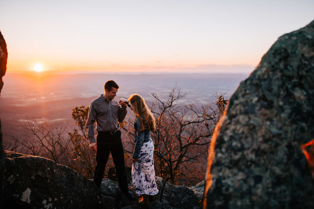 Shenandoah-National-Park-Engagement-Photography-33.jpg
