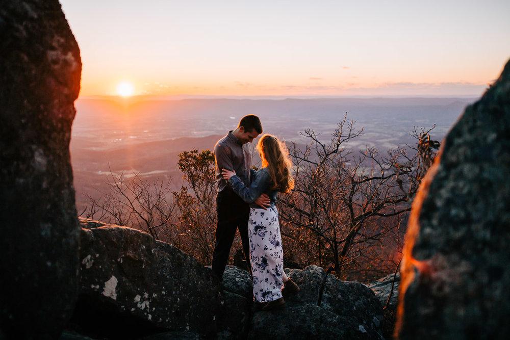 Shenandoah-National-Park-Engagement-Photography-35.jpg