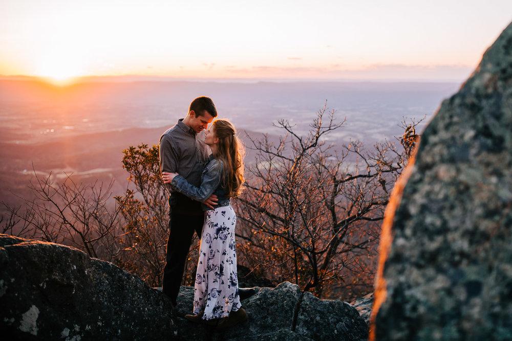Shenandoah-National-Park-Engagement-Photography-36.jpg