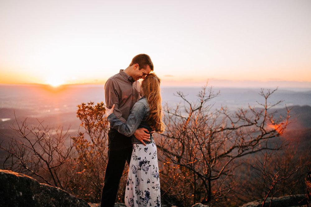 Shenandoah-National-Park-Engagement-Photography-43.jpg