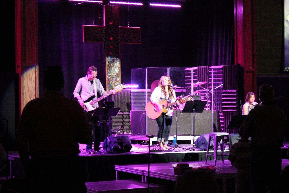 Amy Cox Leading Worship Indy.jpg