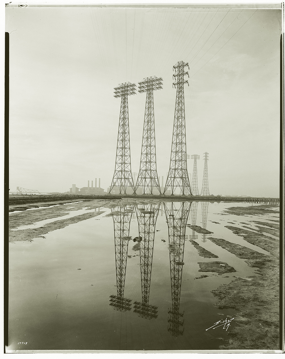 "- Power IndustryAt the turn of the century, a young photographer, hired by the Edison Company, took thousands of photos, which made ""the burgeoning power industry-in all its forms and functions-appear heroic and unassailable.""— Iron Men & Copper Wires, W.A.Myers"