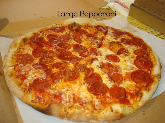 Large peperoni pizza.JPG