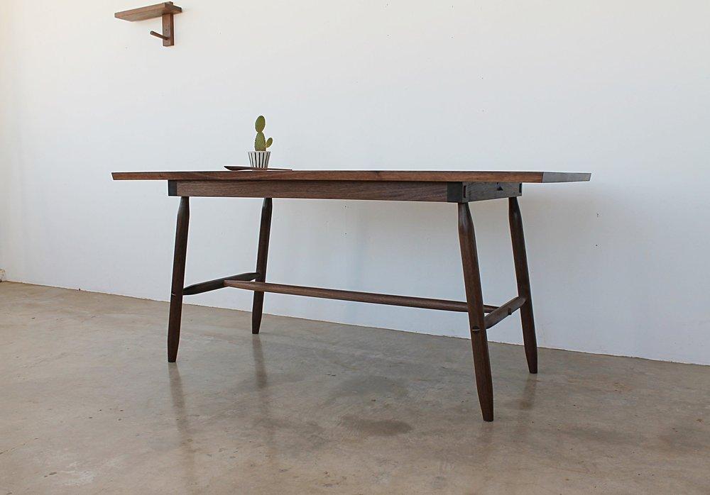 Misterioso Table