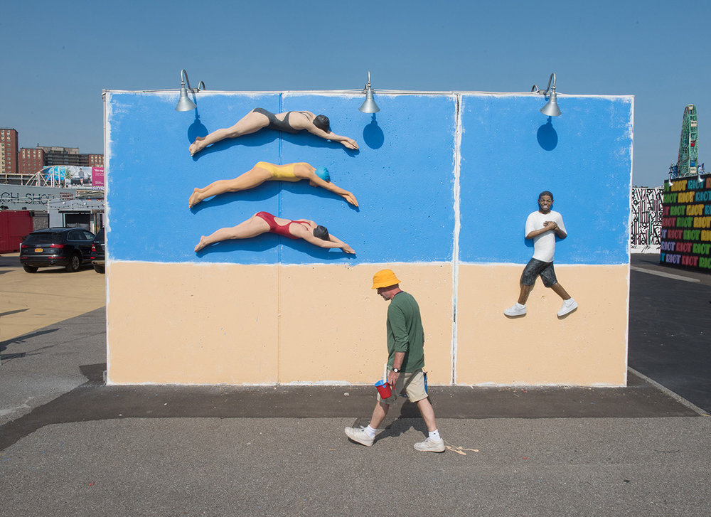 John Ahearn, Swimmers & Eric (happy on the beach), Coney Art Walls, 2016 © Martha Cooper