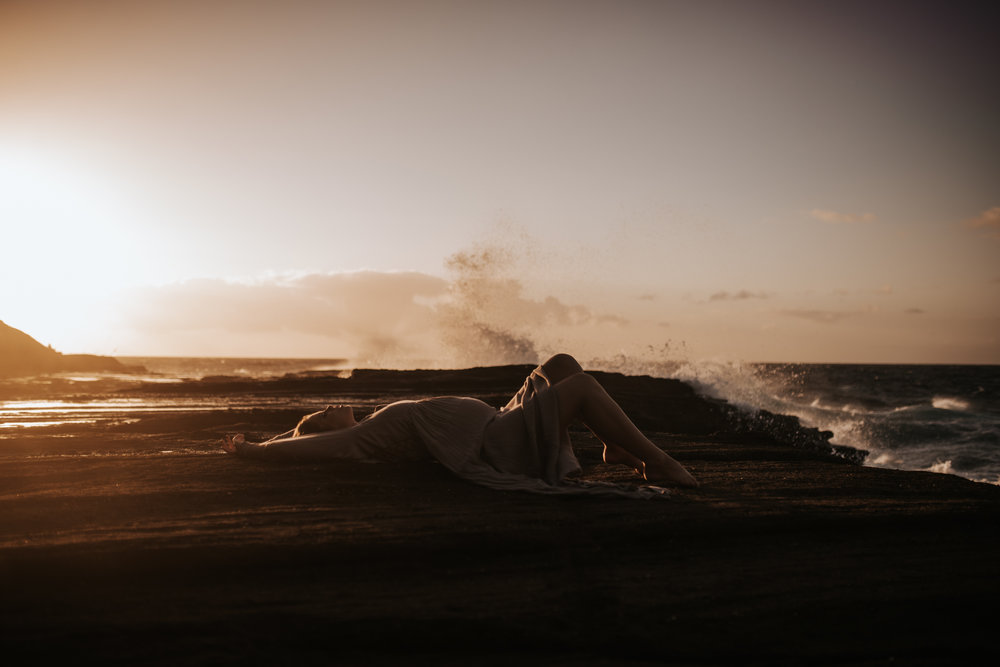 Oahu-Boudoir-Maternity-LH-15.jpg