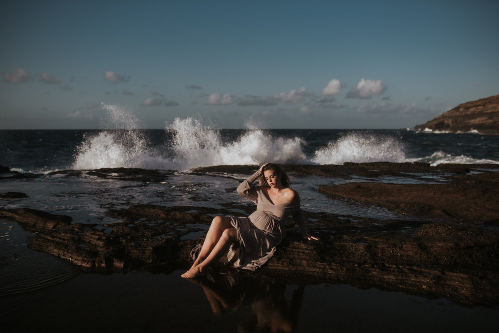 Oahu-Boudoir-Maternity-LH-19.jpg