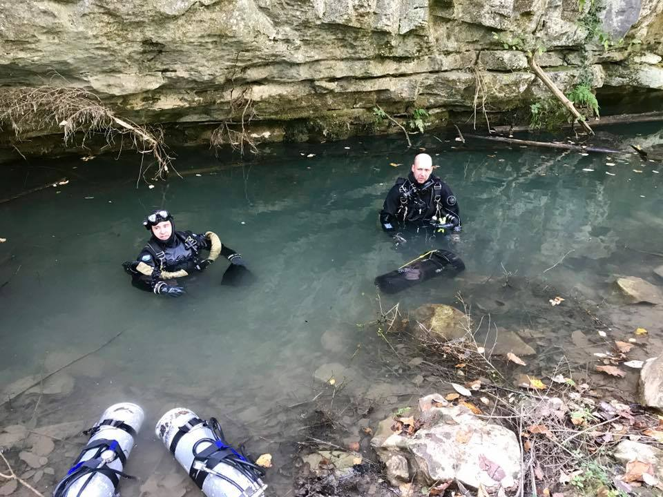 Jason Richards (in KISS Sidewinder) and Terry Hall return from a 2500 foot dive into Jasper Blue to check line integrity.