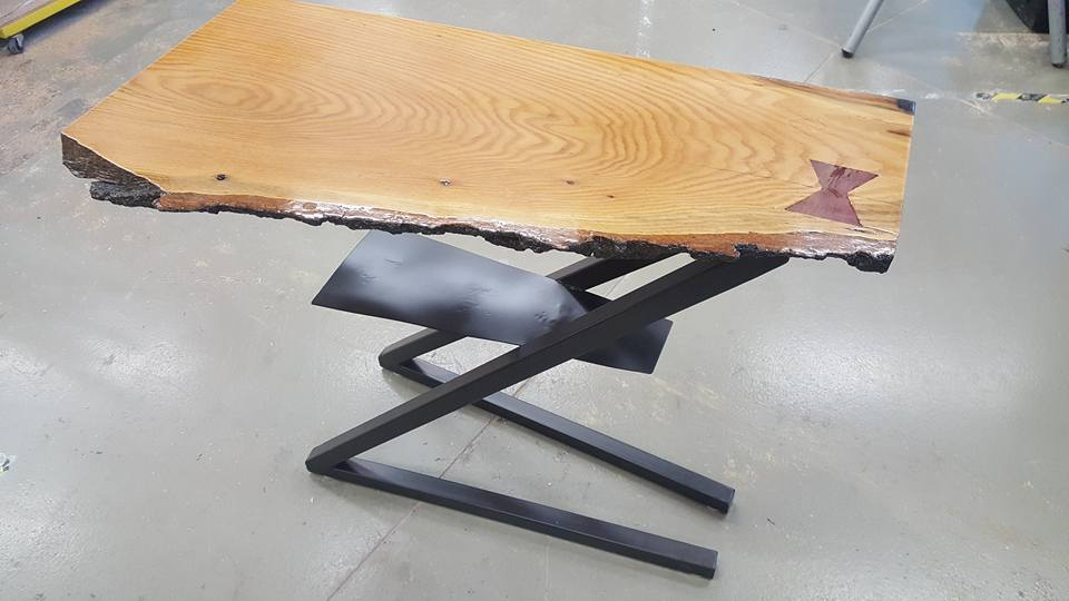 Live sawn table