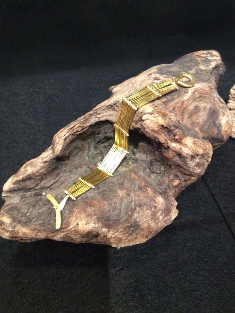 Bracelet, 19k gold