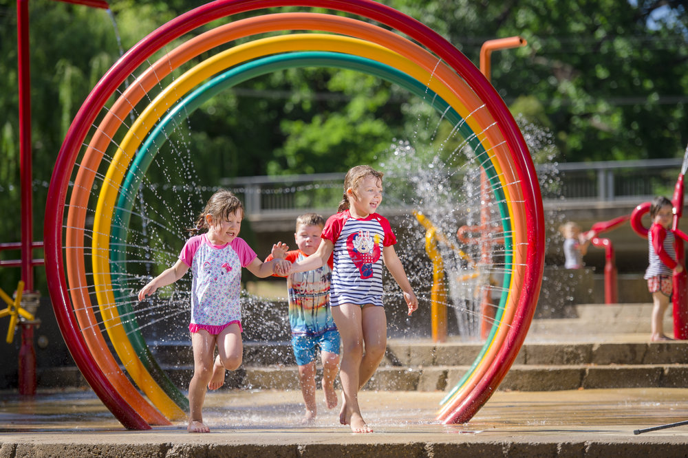 Summer fun! Brights splash park - 4 min walk from Lumley House