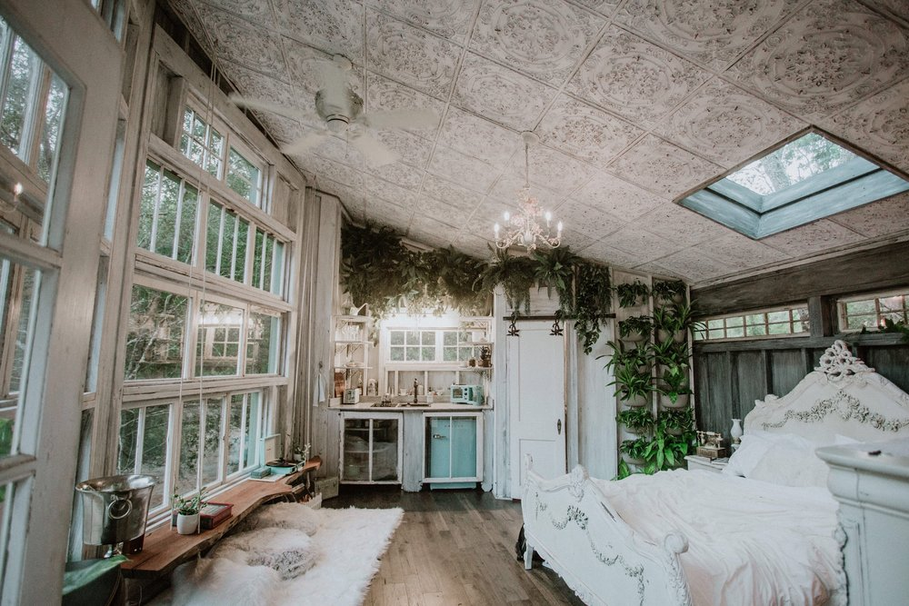 THE LIVING ROOM TREEHOUSE - Elevated, spirit-lifting, eco-friendly, waterfrontCHARLESTON, SC(Featured on southern charm)