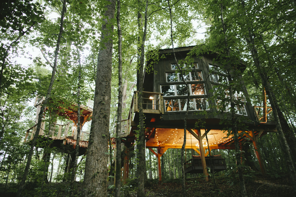 THE MAJESTIC TREEHOUSE