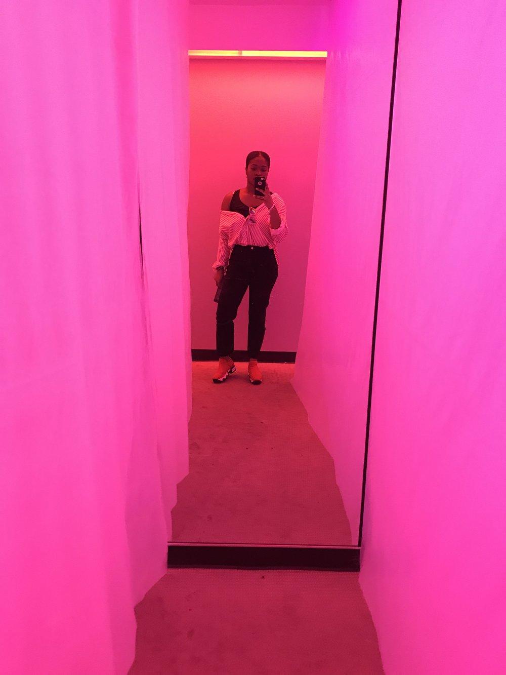 Button Down: H&M, Pants: Zara, Shoes: iRi