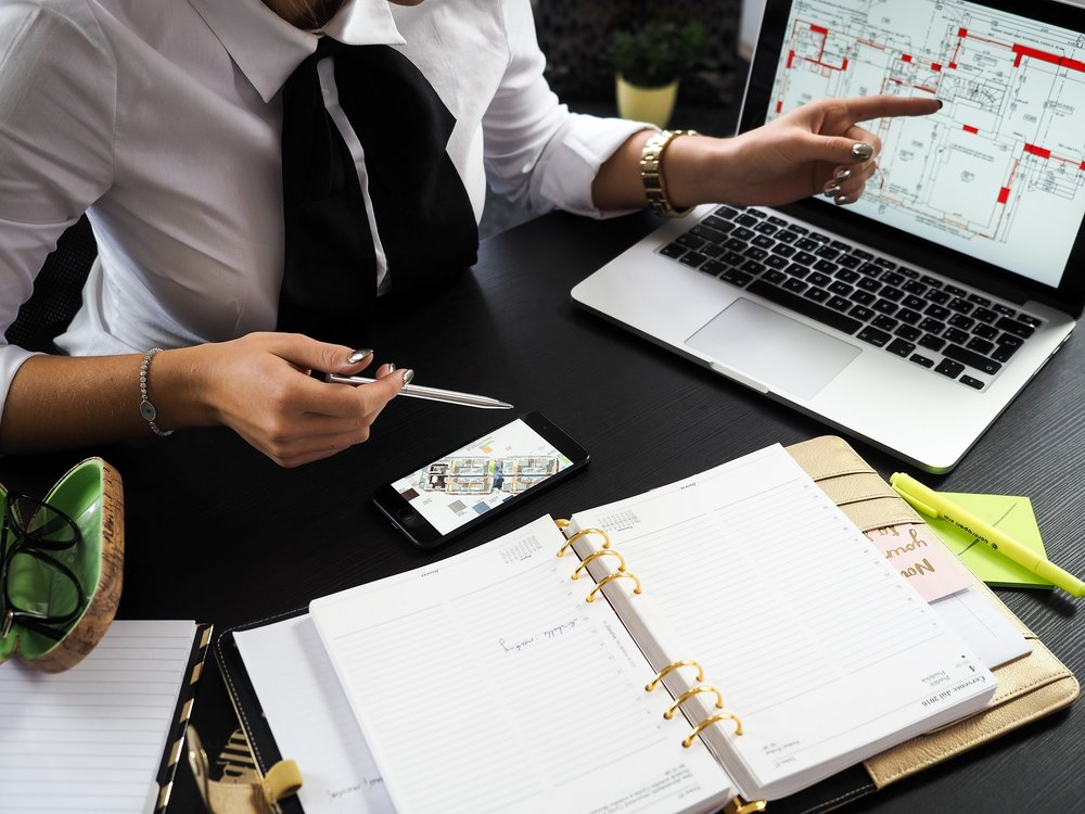 architect-businesswoman-composition-313691.jpg