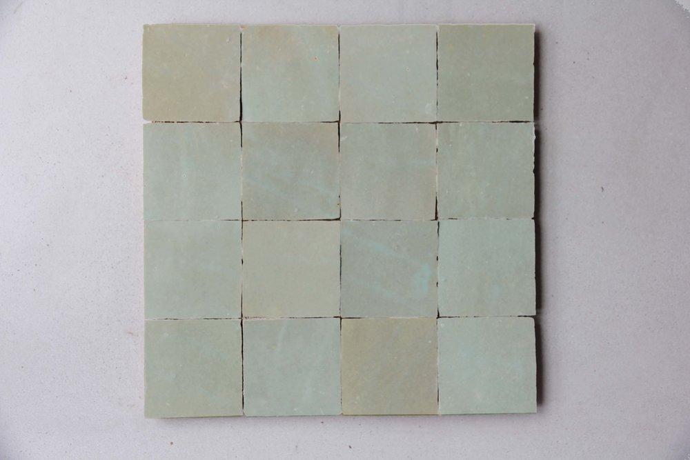 ZEL001B White w Green tones I IN SOCK