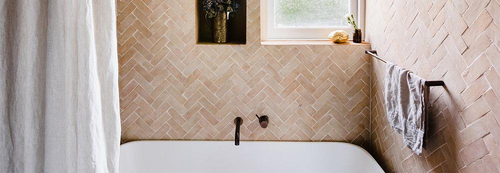 Photographer    Amelia Stanwix     Interior design and architecture by    Studio Ezra     Tiles:    Tiles of Ezra    (FL005)