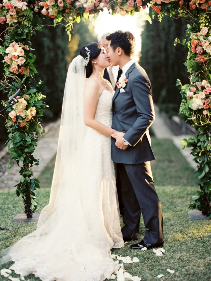 0519-Lindsey-+-Kyle-Wedding-Custom-Copy(pp_w677_h900).jpg