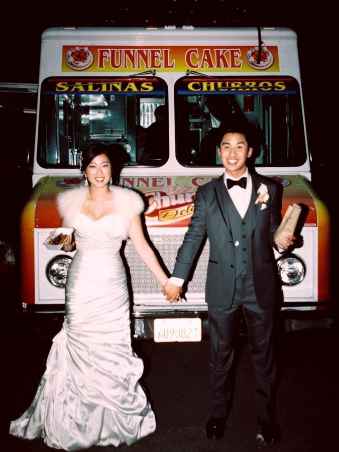 0954-Lindsey-+-Kyle-Wedding-Custom(pp_w675_h900).jpg