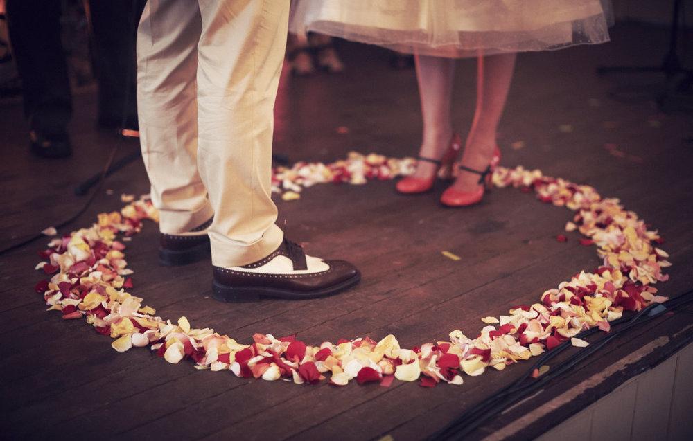 32-des-moines-hipster-wedding-planner-521x347.jpg