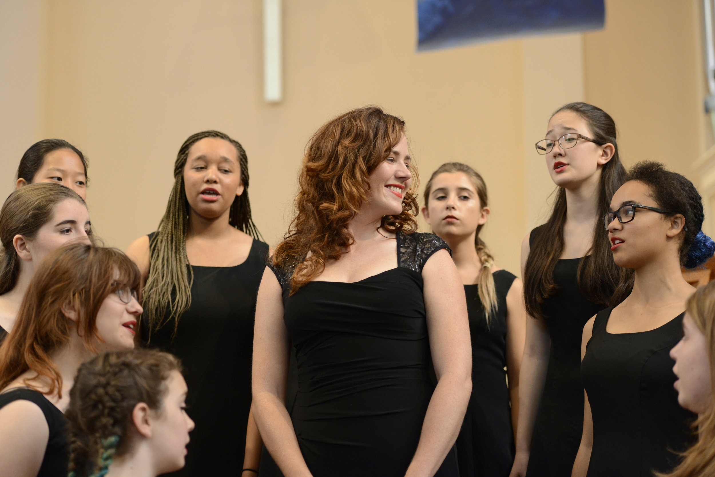 Molly Quinn with SF Girls Chorus November 1, 2015. Photograph by Dana Davis.