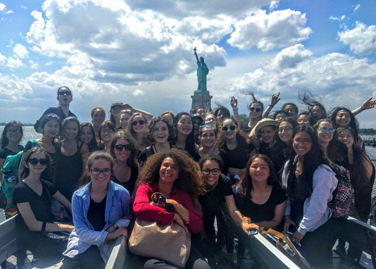 San Francisco Girls Chorus, Valerie Sainte-Agathe touring New York City. Photo by Rachel Clee.
