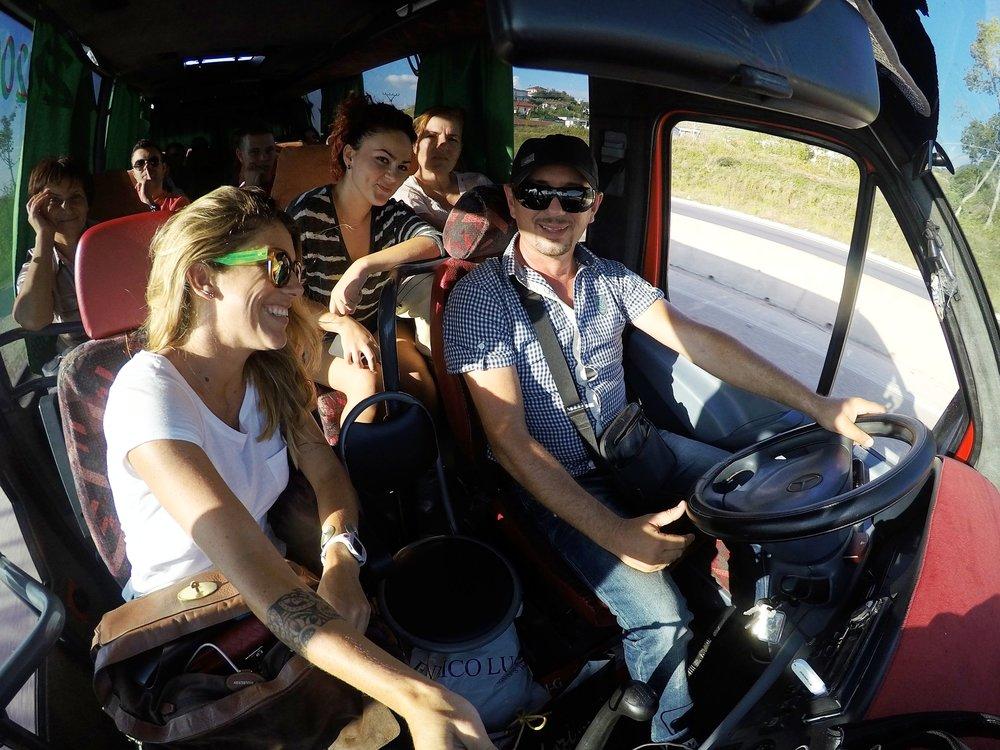 Viagem de ônibus pela Albania - Italiano foi o Idioma que usei para esse incrível país e chegar até a Grécia