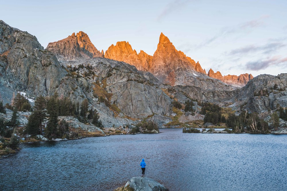 minaret lake, clyde minaret, eastern sierras, mammoth lakes, best, hikes, camping, ritter range, rock climbing, things to do, wilderness, permit, backcountry, inyo, national forest, minaret creek, devils postpile, ranger station, california mountain, photography sony, a7riii, a7r3, mirrorless, landscape, outdoor, adventure, sunrise, fall