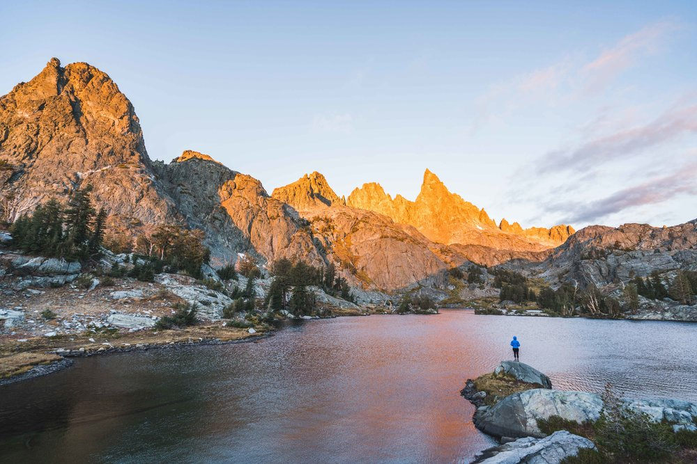 Minaret lake, sunrise, sony, mountains, human, minarets, ritter range,
