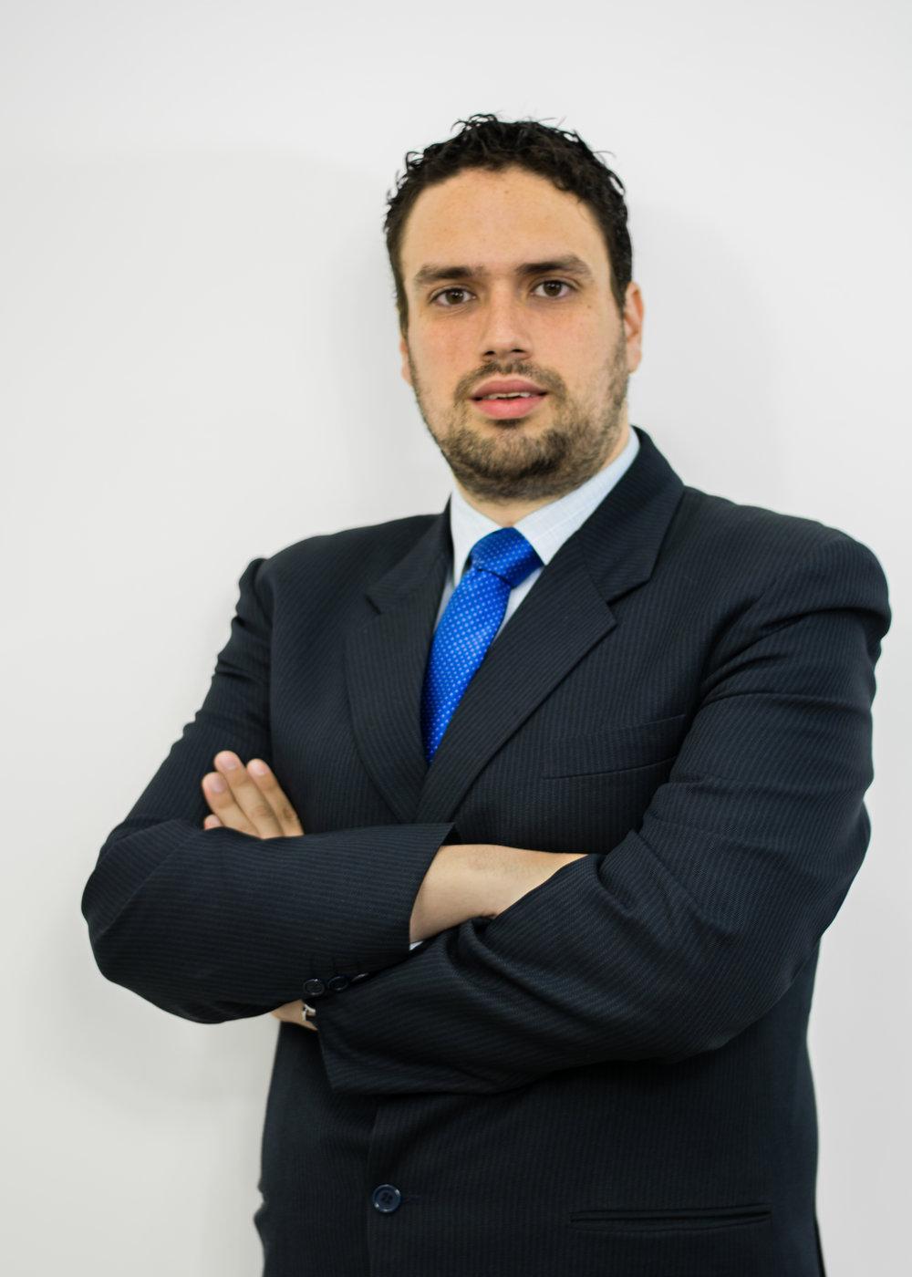 Phillip Chicola - Artículos