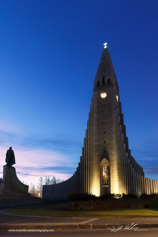 02-Reykjavik-Hallgrimskirkja-vertical.jpg