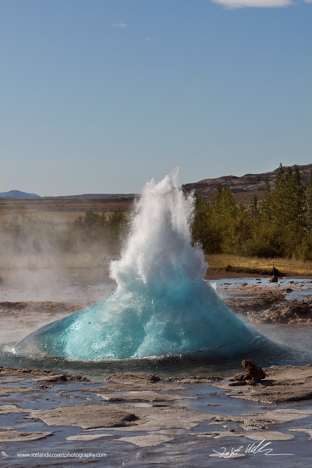 10-Geysir-bubble-burst-vertical.jpg
