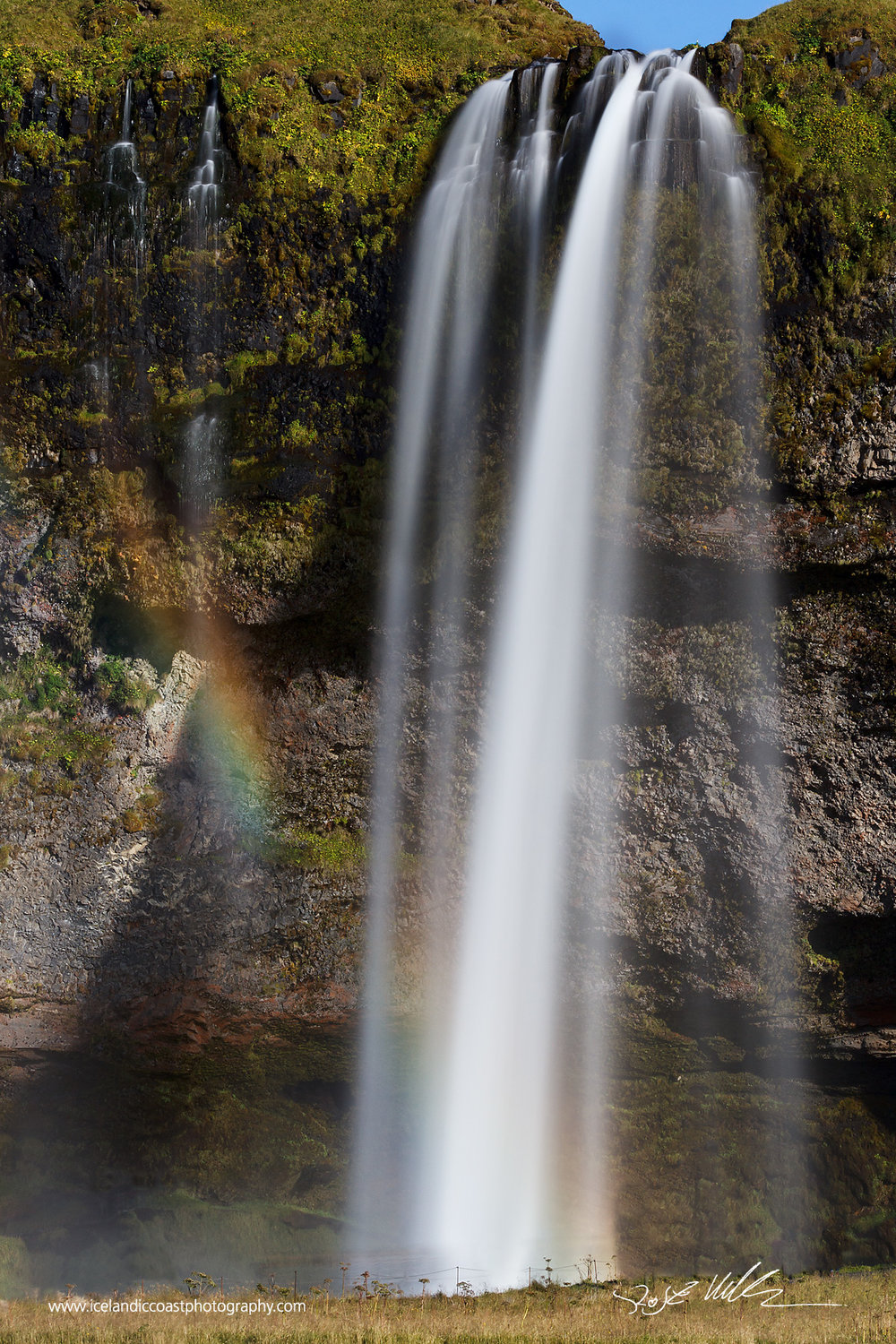 11-Seljalandsfoss-zoom-vertical.jpg