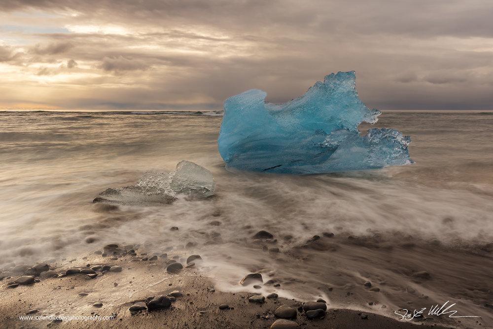 24-Joekulsarlon-icelberg-horizontal-01.jpg