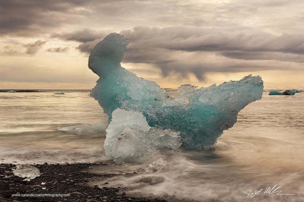 26-Joekulsarlon-icelberg-horizontal-01.jpg