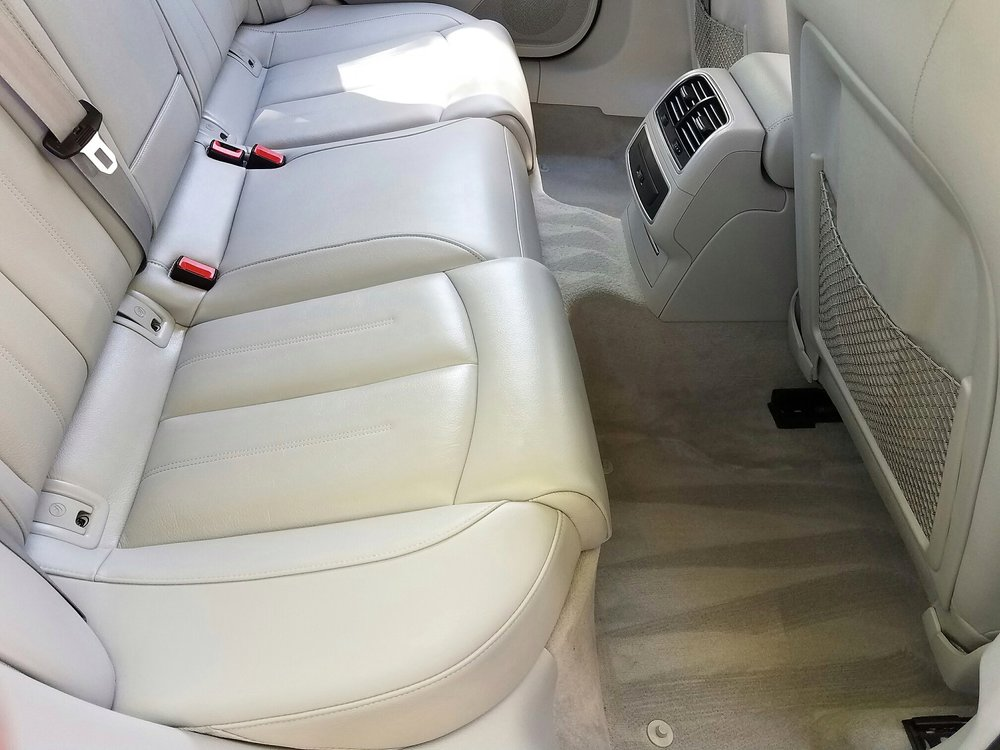 Mobile car detailing services and packages